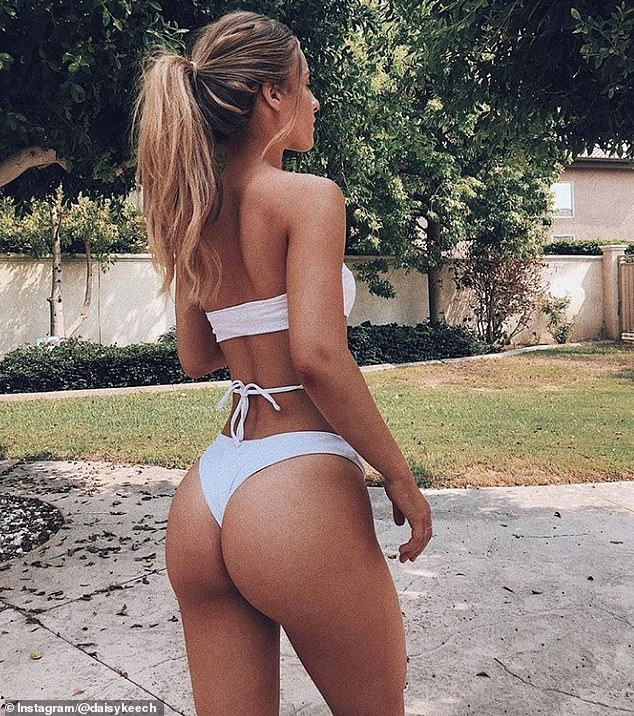 Teen with perfect ass